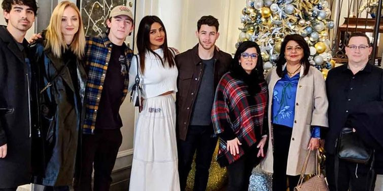 Priyanka Chopra, Nick Jonas Enjoy Wedding Reception Hosted By Paul Kevin Jonas And Denise Jonas
