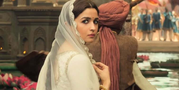 Ghar More Pardesiya From Kalank Song Featuring Alia Bhatt To Be Released On Monday, Watch Teaser Now