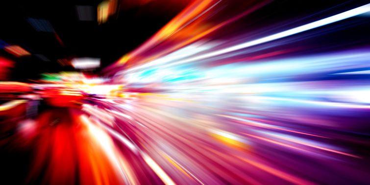 Speed Of Light Captured On Slow Motion Tape At 10 Trillion FPS