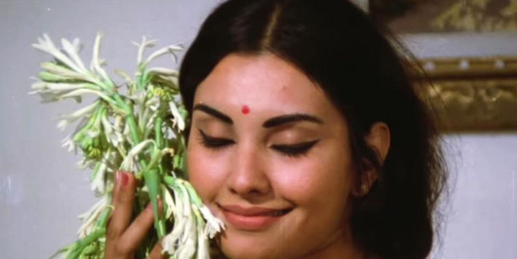 RIP Vidya Sinha The Fragnance of Rajnigandha Is Subdued Tonight